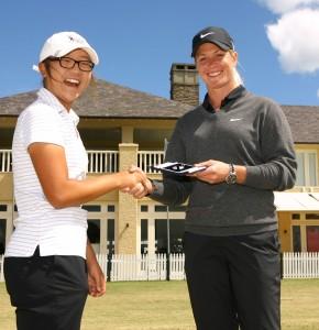 Suzann Pettersen presents McCormack Medal to Lydia Ko